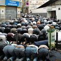 Muslim prayers in Paris.jpg