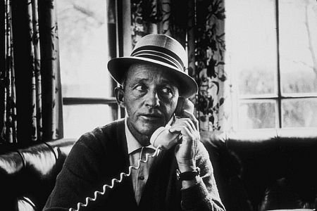 Bing Crosby on phone.png