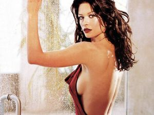 Catherine zeta jones pussy photos